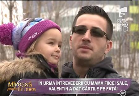valentin-mpfm6-a-dat-cartile-pe-fata